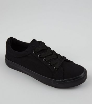 Teens Black Canvas Lace Up School Plimsolls