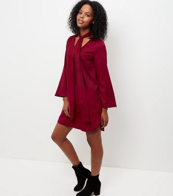 Mela Burgundy Bow Front Shift Dress