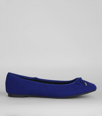 Ballerinas in Blau