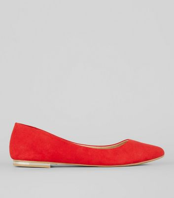 Red Soft Pointed Pumps
