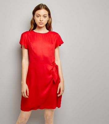 Red Frill Trim Tie Waist Wrap Front Skort Dress