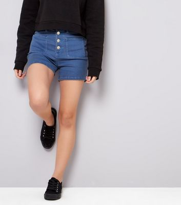Teenager - Blaue Shorts mit hoher Taille