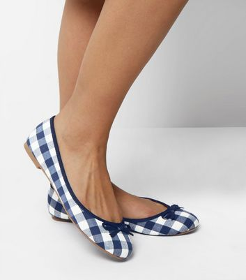 Wide Fit – Marineblaue Ballerinas mit Vichy-Karos