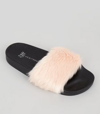 Teens Pink Faux Fur Sliders