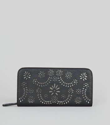 Black Cut Out Zip Around Purse