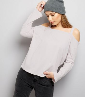 Fliederfarbenes Cold-Shoulder Top