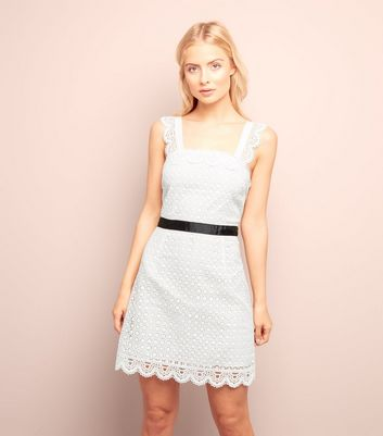White Scallop Hem Lace Tunic Dress