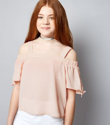 Teenager – Cold-Shoulder-Top mit Bindeärmeln in Mittelrosa
