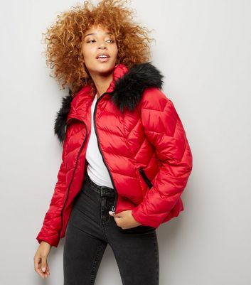 Red Faux Fur Trim Hooded Chevron Puffer Jacket