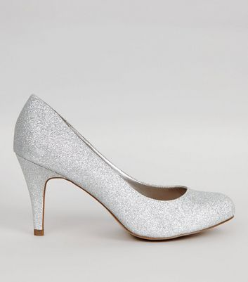 Wide Fit – Silbern glitzernde Pumps