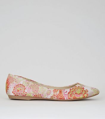 Pink Floral Brocade Pumps