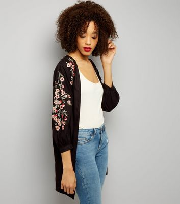 Tall Black Floral Embroidered Kimono
