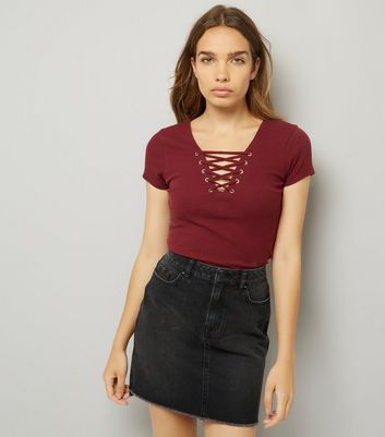 Burgundy Lattice Front Short Sleeve T-Shirt