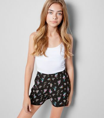 Teens Black Floral Print Shorts