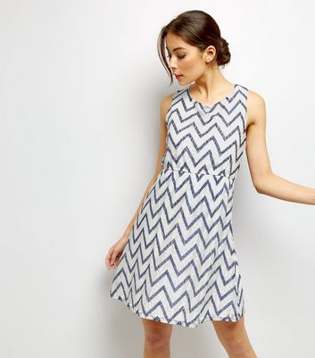 Mela White Zigzag Print Lace Dress