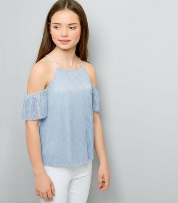 Teenager – Plissiertes Cold-Shoulder Top in Metallic-Blau