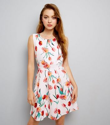 Mela White Tulip Print Sleeveless Dress