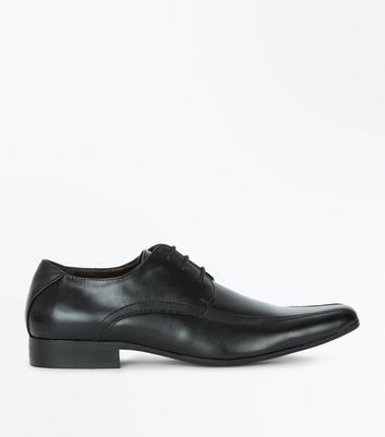 Black Textured Side Gibson Shoes