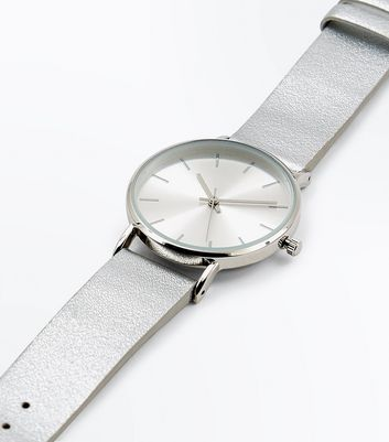 Silver Metallic Strap Watch