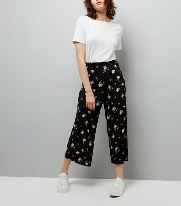 Black Floral Print Pleated Culottes