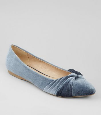 Pale Blue Velvet Knot Front Pumps