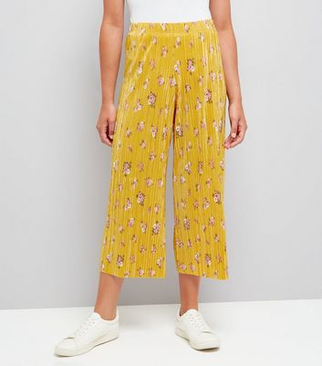 Yellow Floral Print Pleated Culottes