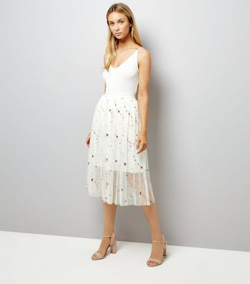 White Floral Embroidred Tulle Midi Skirt