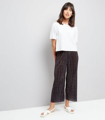 Black Spot Print Pleated Cropped Trousers