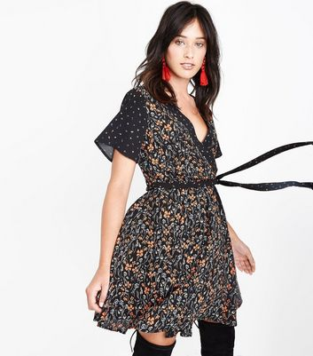 Black Contrast Ditsy Floral Wrap Front Dress