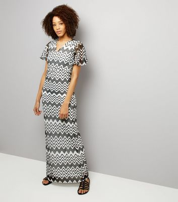 Mela Black Zig Zag Print Maxi Dress