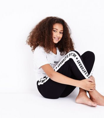 Teens White Hello Saturday Knotted T-Shirt Pyjama Set