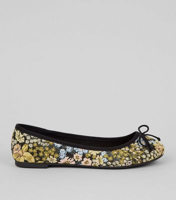 Wide Fit Black Floral Tapestry Pattern Ballet Pumps