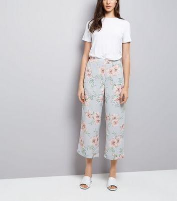 Pale Blue Floral Print Cropped Trousers