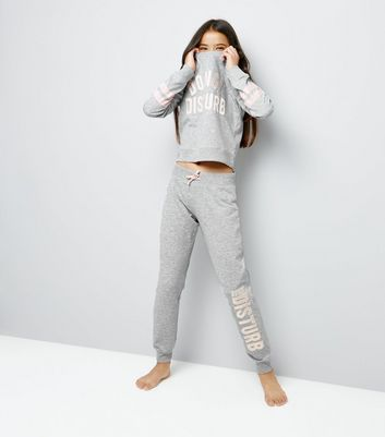 "Teenager – Graues Pyjama-Set mit ""Do Not Disturb""-Aufdruck"