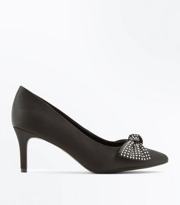 Wide Fit Black Bow Detail Court Heels