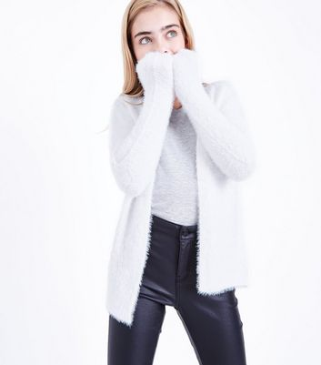 Teenager – Cremeweiße Oversize-Strickjacke im Angora-Look