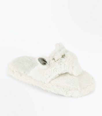 White Faux Fur Cat Flip Flop Slippers