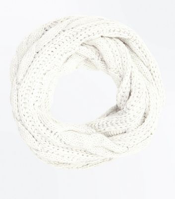 Grey Cable Knit Snood