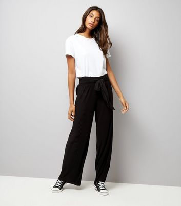 Loving This Black Pleated Tie Waist Trousers