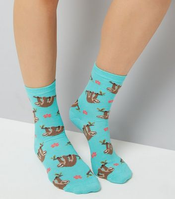 Green Hanging Sloth Print Socks