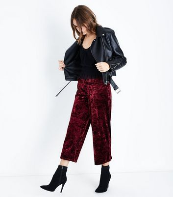 Pantalon court bordeaux en velours