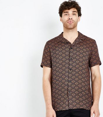 Red Geometric Print Short Sleeve Shirt