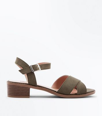 Teenager – Khakifarbene Riemchensandalen in Wildleder-Optik