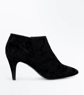 Black Velvet Pointed Shoe Boots