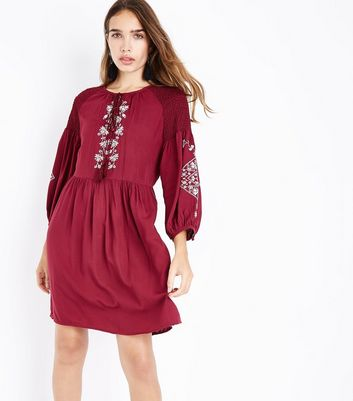 Tall - Robe blouse bordeaux à broderies