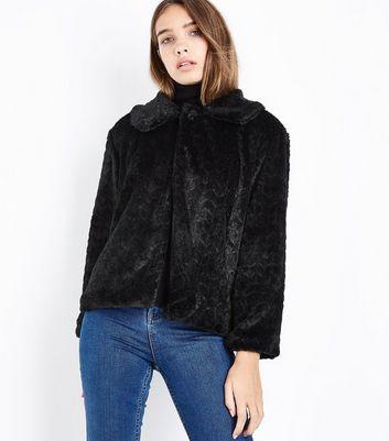 Women's Faux Fur Coats & Jackets | New Look
