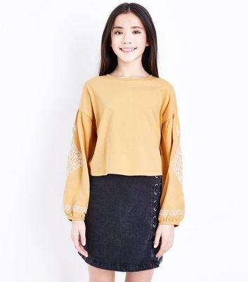 Teens Yellow Embroidered Balloon Sleeve Top