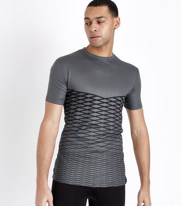Hellgraues Sport-Shirt in Gitter-Optik