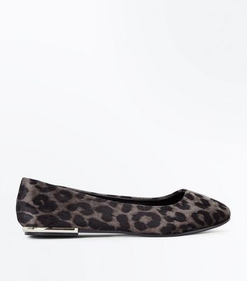 Wide Fit Grey Velvet Leopard Metal Heel Pumps