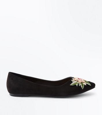 Black Suedette Floral Embroidered Pointed Pumps